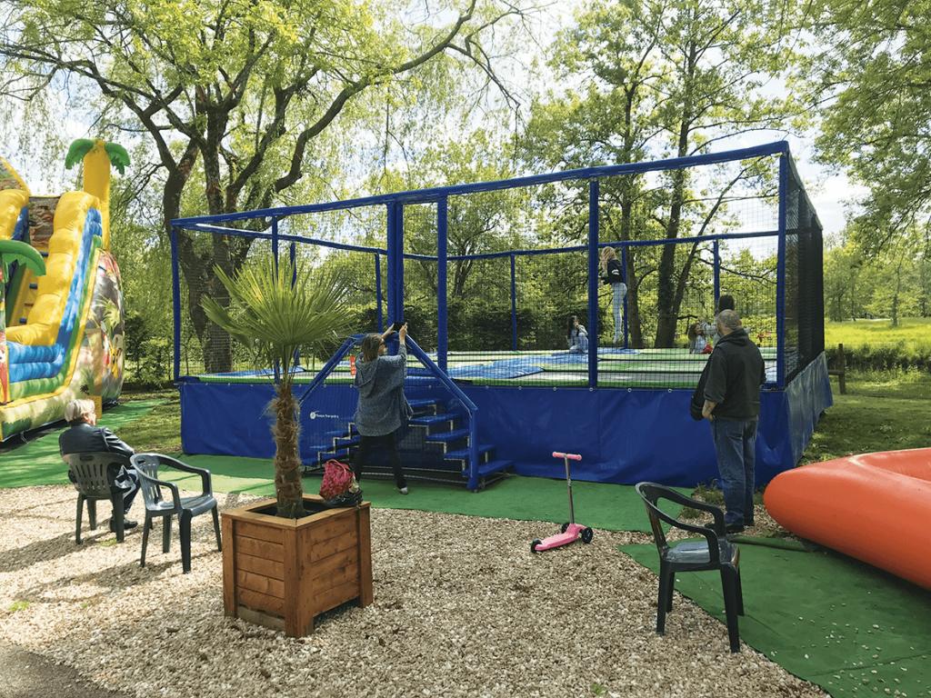Grande batterie trampoline